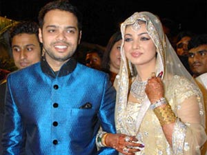 Ayesha Takia with husband Farhan Azmi