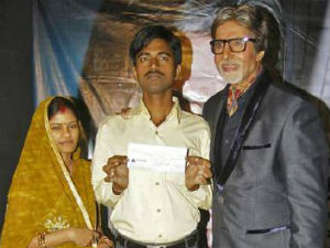 Amitabh Bachchan with Sushil Kumar and his wife