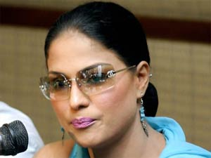 Veena Malik to get Rs 4.5 cr for getting married?