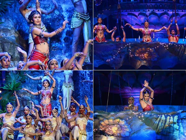 Deepika's aqua act at Golden Petal Awards