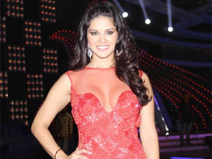Sunny Leone's special TV show records 2 lakh views