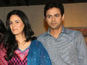 Pawan Shankar with Mona Singh