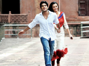 Prateik and Amy in the song Sun lo Zara