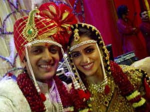 Riteish Deshmukh weds Genelia D'Souza in Marathi style