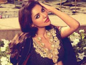Asin shoots for Gautham Menon