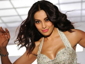 Bipasha Basu hospitalised, discharged later