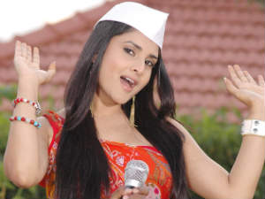 Bharat bandh: Ramya's caravan attacked