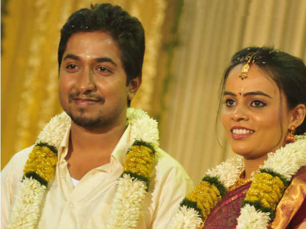 Vineeth-Divya pose for the shutterbugs
