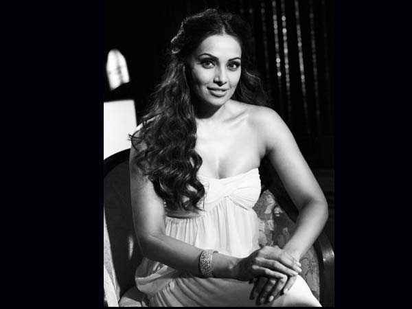 Bipasha Basu On Ramp
