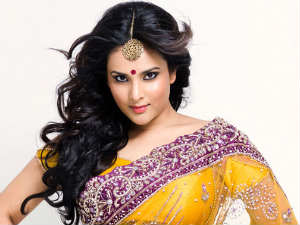 Ramya turns prostitute again