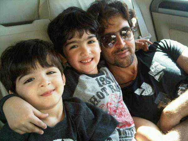 Hrithik With His Kids