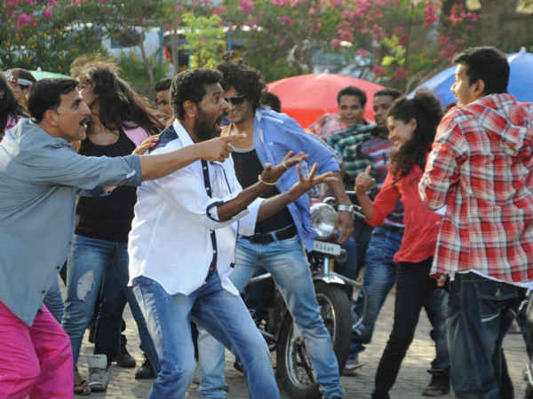 Vijay and Kamal dancing Together with Radhika