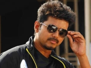 Vijay fans call for a ban on Thuppakki!