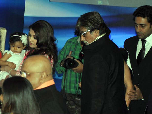 Ash With Aaradhya And The Bachchans