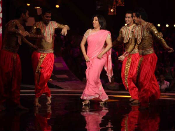Farah Khan Too Blasts The Stage
