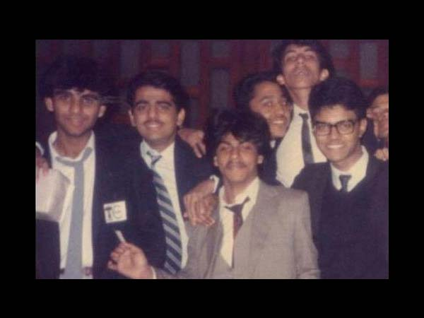Shahrukh With Friends