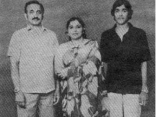 Mohanlal With Mom And Dad