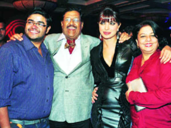 Priyanka Chopra with brother, mom and dad