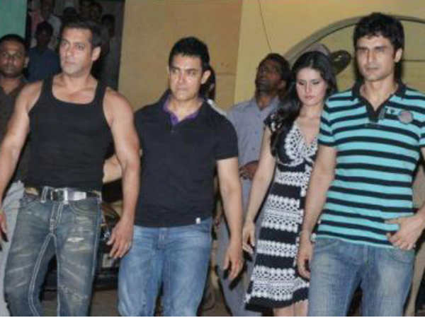 Niketan With Salman, Aamir And Zarine Khan