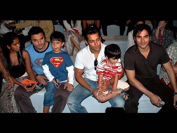Khan Brothers And Their Children!
