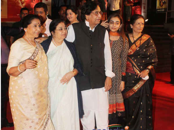 Asha Bhosle With Family