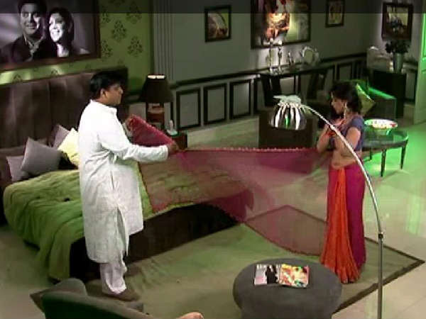 Sakshi And Ram In Bade Acche Lagte Hain
