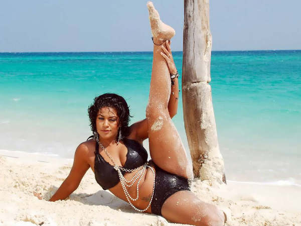 Hottest Tamil Actresses In Bikini