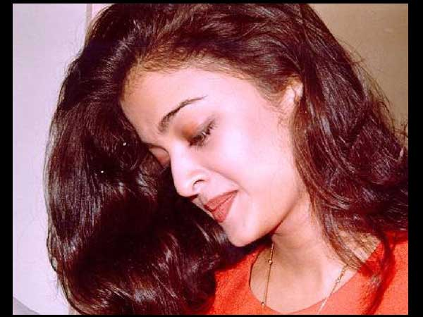 Aish In Red