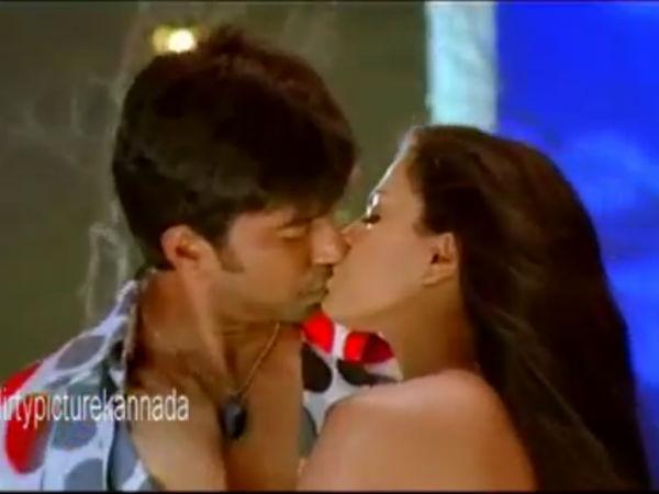 Veena malik kissing video