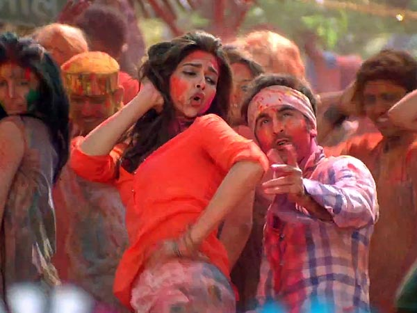 PHOTOS: Ranbir, Deepika on a colourful ride in 'Balam ...