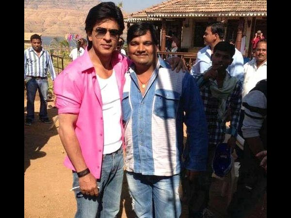 Shahrukh With A Fan