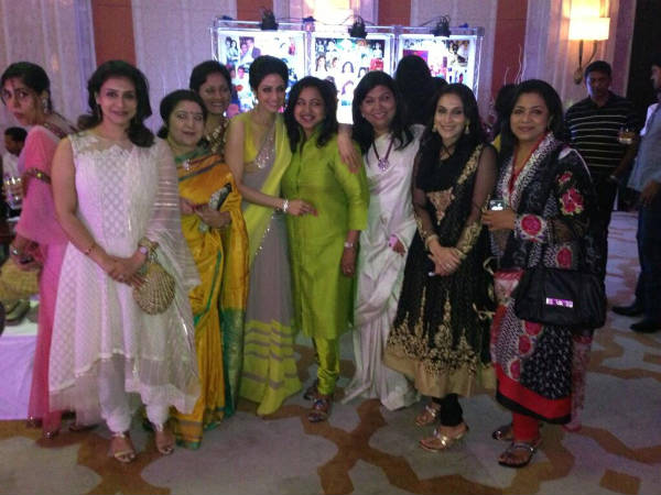 Sridevi Posing For Camera With Other Celebrities