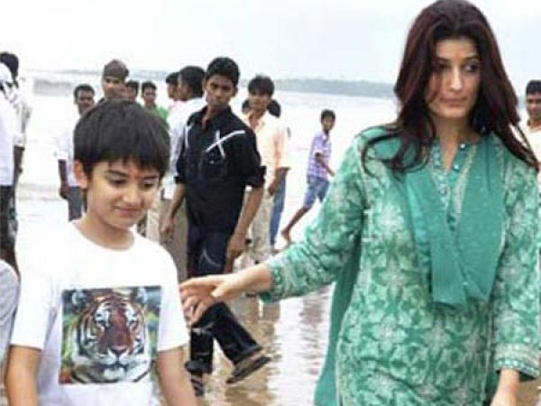 Twinkle Khanna Kids Pictures | Hottest | B...