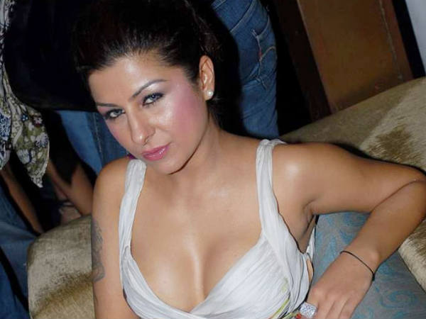 Hard Kaur set for her Tamil debut