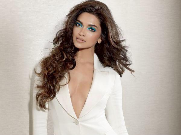 Deepika Padukone won't dub for Kochadaiyaan - Filmibeat