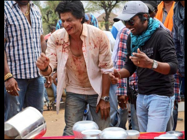 SRK On Chennai Express Sets