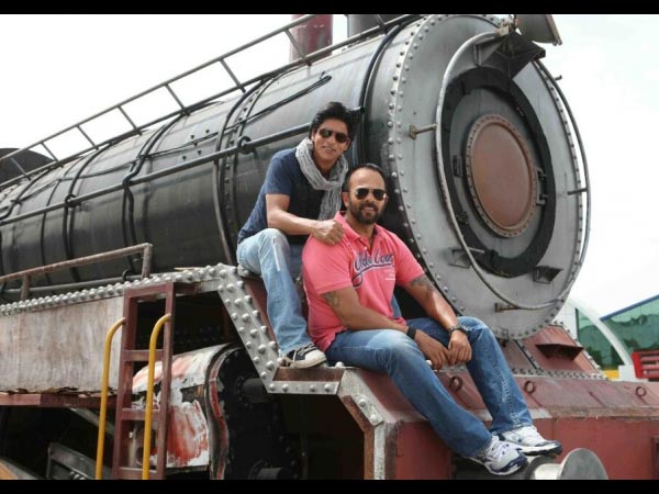 SRK, Rohit On Train