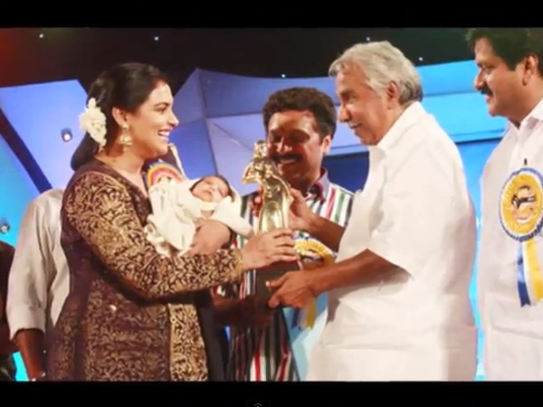 CM Oommen Chandy Wishes Good Luck To Sabaina