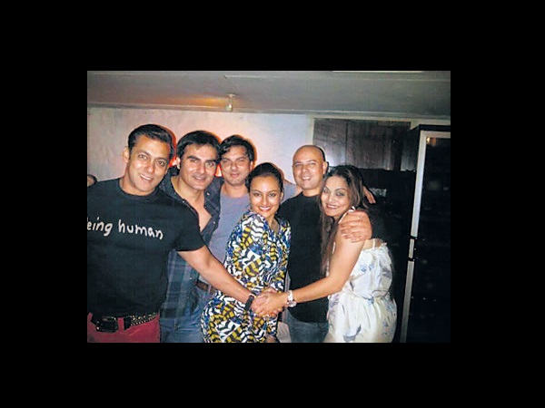 Sonakshi And The Khans