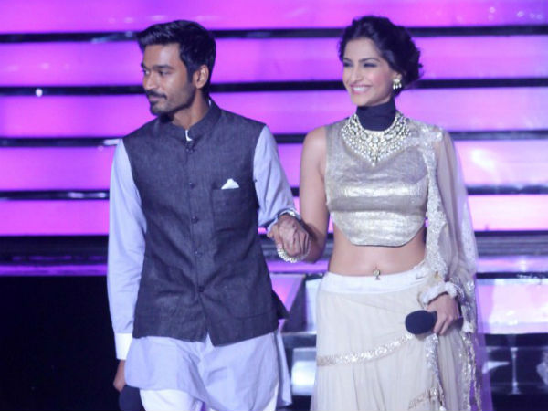 Dhanush And Sonam Spectacular Entry