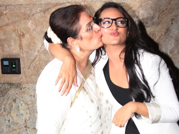 Sonakshi With Mom