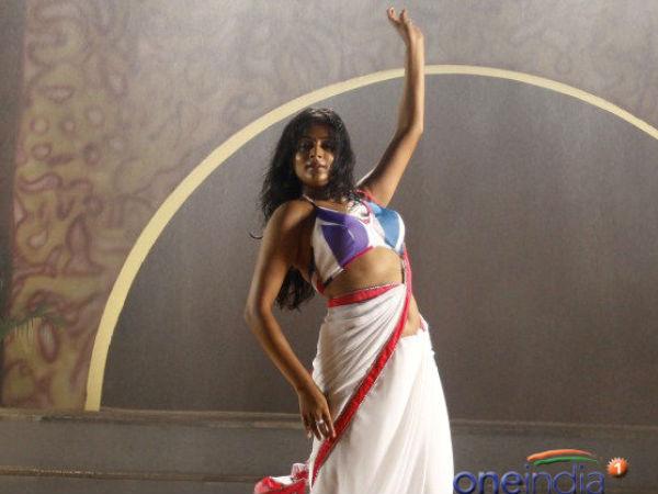 Shahrukh Khan | Kundi Kholo Expression | Chennai Express - Filmibeat