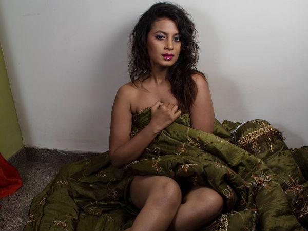 mysore-mallige-naked-videos-mysore-mallige-porn-sex-see-thru-panties-up-skirt