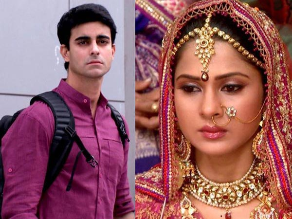 Saras Reaches Late, And Kumud Gets Married