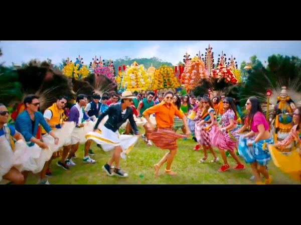 Shahrukh Khan And Deepika In Chennai Express