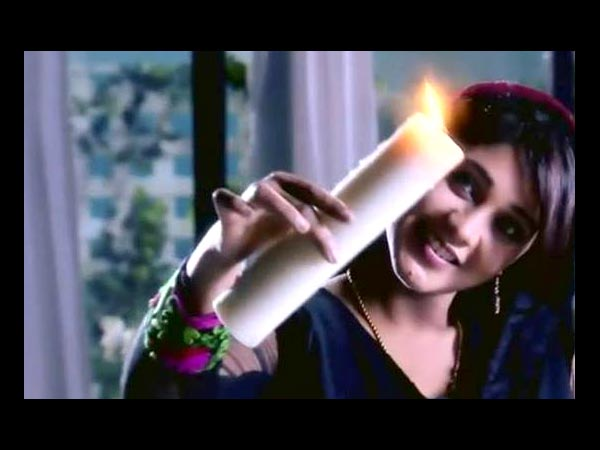 She Tries To Set Zoya On Fire