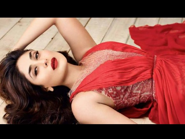 Kareena Kapoor In Red