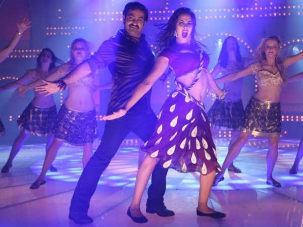 Nicole Amy Madell Item Song In Baadshah