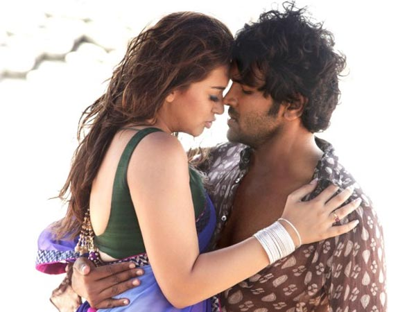 Vishnu Miffed With Hansika