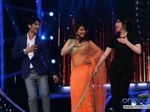 Sushant And Parineeti Dance With Madhuri